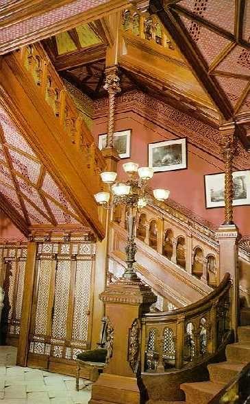 Dès 1881, il est invité par l'écrivain Mark Twain (Samuel Langhorne Clemens) a redécorer sa maison de Hartford, Connecticut. Il a acquise cette demeure de style néo-gothique victorien, édifiée par l'architecte Edward Tuckman Potter, en 1874.