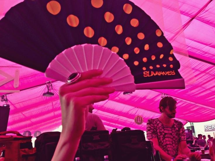 Auzite la Sunwaves 13, de Amdraci | VICE Romania