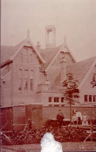 01386: Middelweg, achterzijde postkantoorca. 1920
