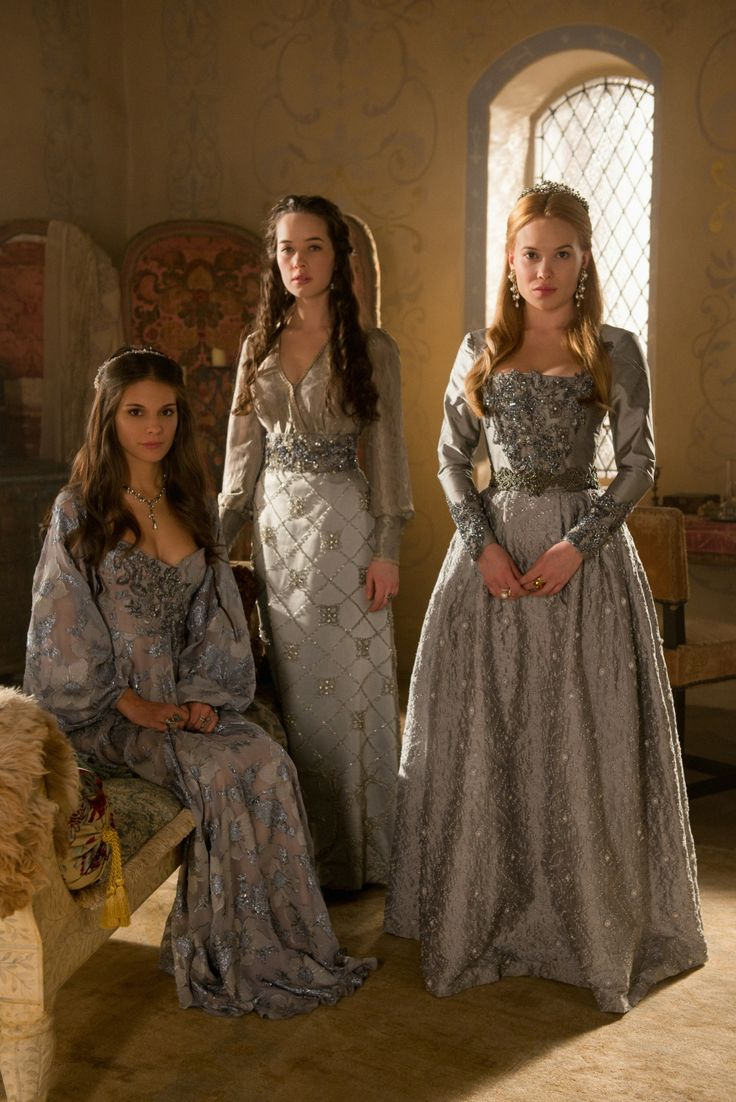 THESE COSTUMES. GAH. SO BEAUTIFUL.
