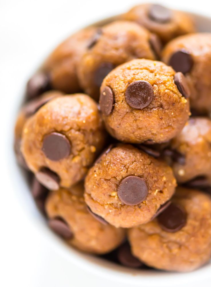 No Bake Cookie Dough Protein Balls. These healthy energy bites taste exactly like chocolate chip cookie dough! One bowl, no baking, and they're perfect for breakfast, snacking, and even dessert! {low carb, paleo, and gluten free} Recipe at wellplated.com @Well Plated