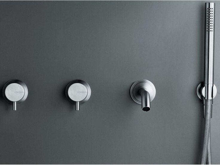 COCOON MONO SET42 1390 euro Set vasca a 4 fori a muro comprendente 2 miscelatori indipendenti, un erogatore da 20 cm e un set doccetta DB1 in acciaio inox