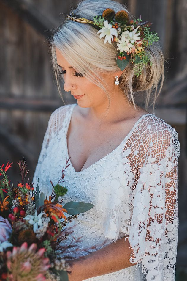 Native wedding flowers | Naomi Rose Floral Design | Bridal flowers | Native hair flowers | Native flower crown