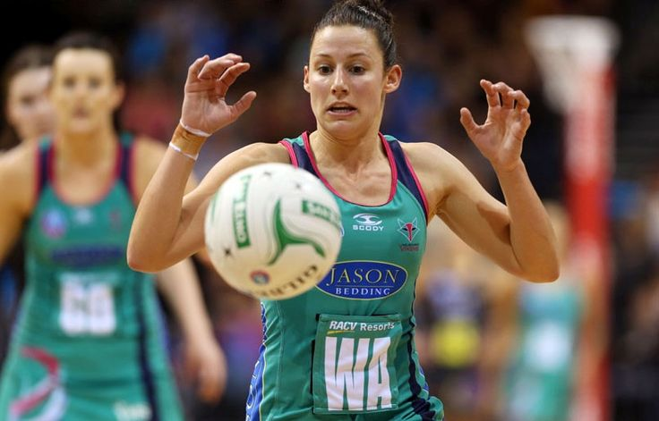 IN THE SPOTLIGHT - MIDCOURT RANKINGS EXUSITE skills, an ability to read the play, speed and agility are just some of the features for the leading midcourters in the ANZ Championship.