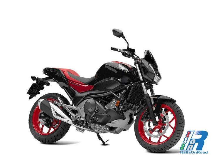 Honda INTEGRA 750, CB500F, NC750S DCT My 2016 http://www.italiaonroad.it/2015/11/16/honda-integra-750-cb500f-nc750s-dct-my-2016/