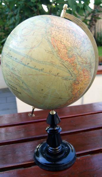 1000 id es sur le th me mappemonde sur pinterest globes terrestres globe vintage et globes. Black Bedroom Furniture Sets. Home Design Ideas