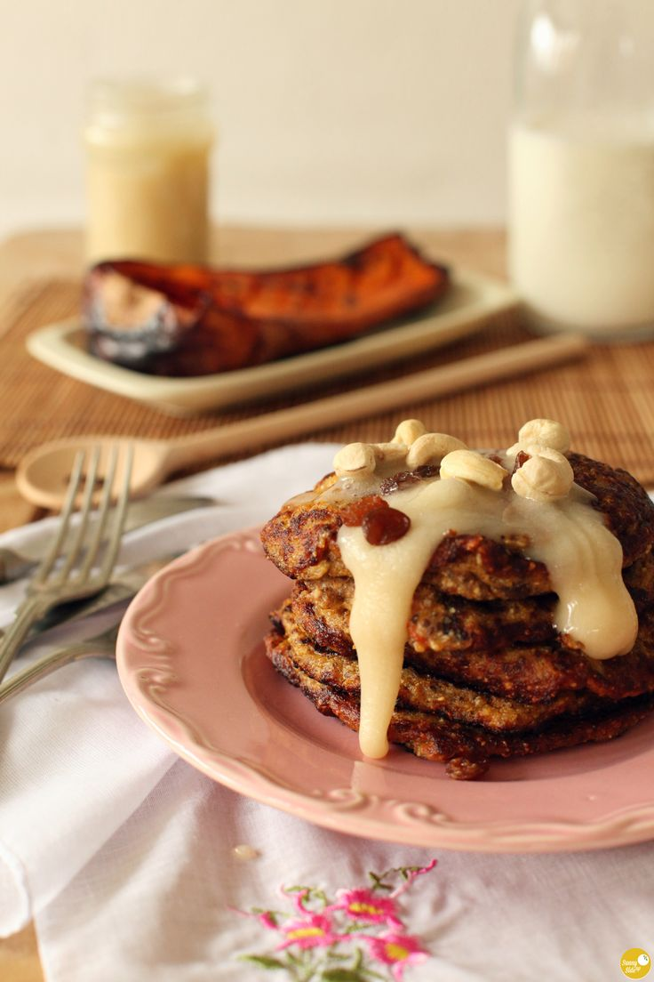 finally, a buckwheat recipe that i love: vegan buckwheat pumpkin banana pancakes with chia seeds and no added sugar! it was such a shame i hated buckwheat before, as a single cup of cooked buckwheat gives me 21% of the daily recomended intake of magnesium, 18% of the fiber and 17% of the DRI of phosphorus. now i can enjoy all these benefits together with my morning pancakes! recipe, soon on the blog! :)