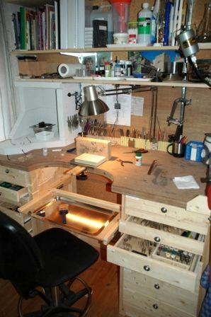 #Hora Siertsema #ganoksin project pic, very neat, polished brass catch tray.