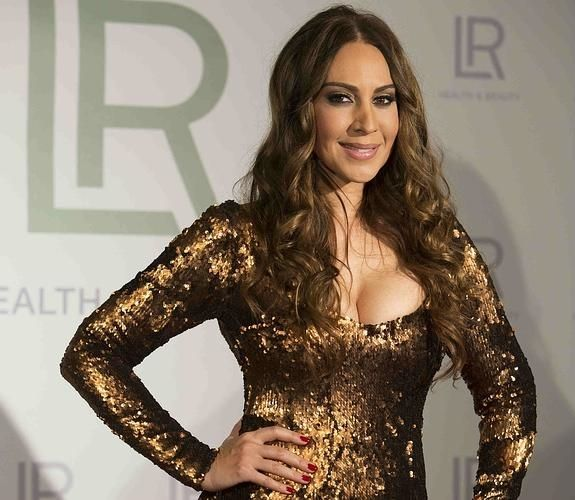 Un vídeo sobre por qué Mónica Naranjo confía en los productos de LR Health & Beauty.
