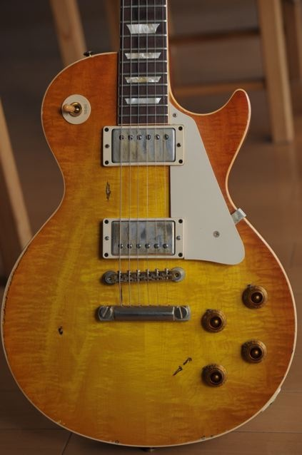 Gibson Les Paul Gary Rossington LP ('59 reissue, Tom Murphy aged)  http://www.vintageandrare.com/search/search_txt/gibson%20les%20paul%20