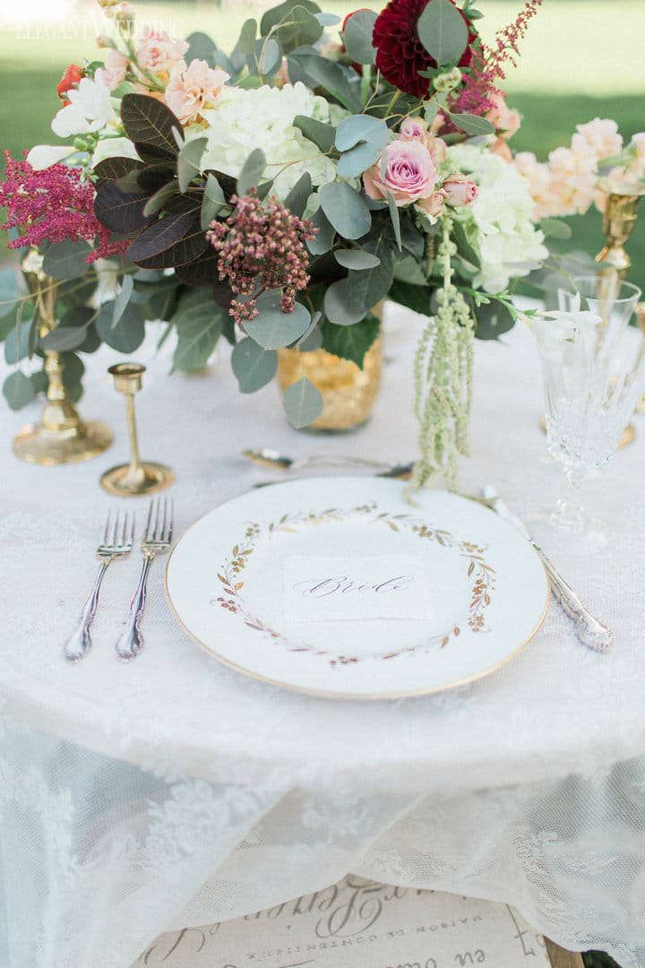Burgundy and Gold Wedding Flowers, Vintage Place Setting Decor www.elegantwedding,ca