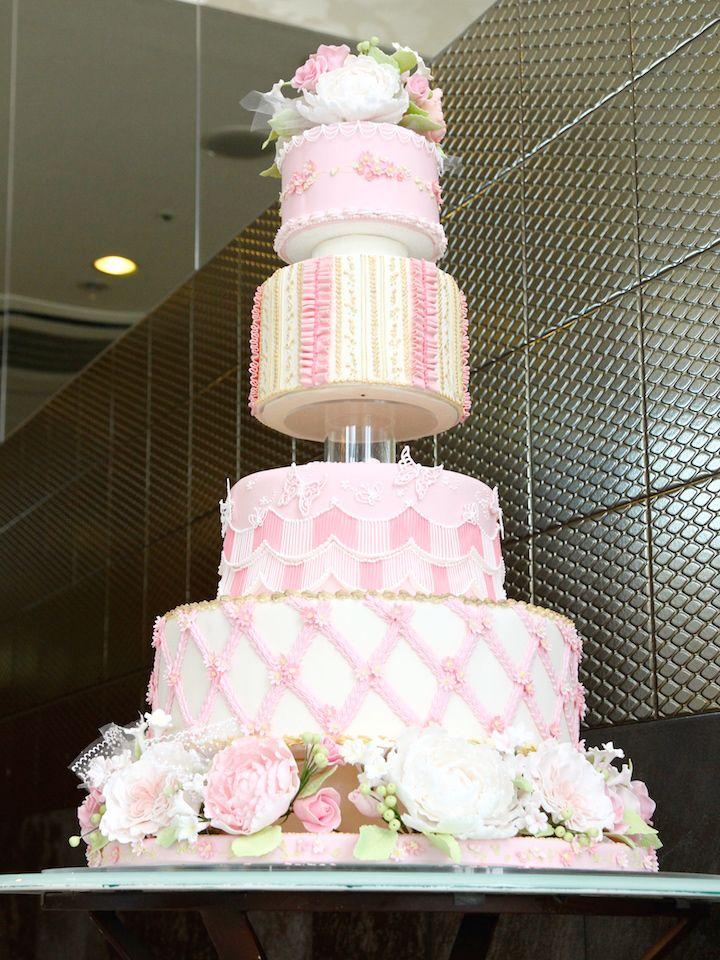 大きめのシュガークラフトケーキを入口に飾って、ゲストを華やかにお迎え♪