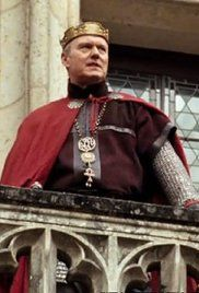 Merlin S01E01 Watch Online. Young Merlin, sent by his mother from their village to start a better life, arrives in Camelot where he is to be apprenticed to Gaius, physician to the repressive King Uther. Uther, ...