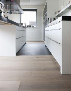 Keukenvloer hout en tegel