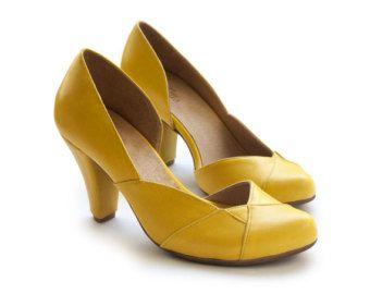 Gele pompen, gele Schoenen Damesschoenen, hakken, handgemaakte lederen schoenen door Liebling op etsy, Nadia model.  Gratis verzending.