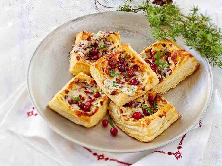 Suolaiset piparjuurella maustetut piirakat teet helposti valmiista voitaikinasta.