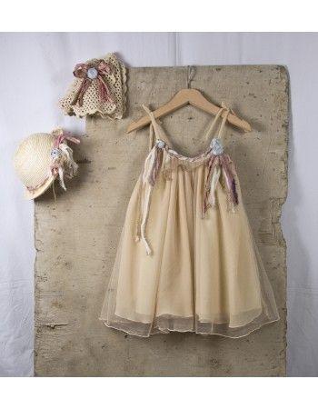 Φορεματάκι με μεταξωτά λουλούδια. Το πλεκτό ζακετάκι και το καπελάκι αν επιλεχθούν τιμολογούνται ξεχωριστά.