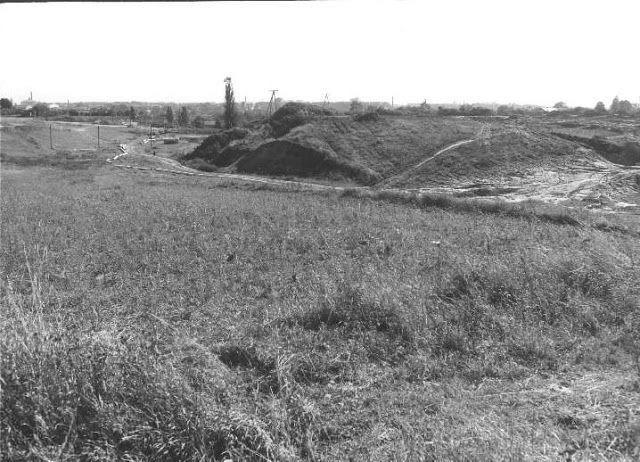 """""""Wąwóz"""" Czuby-LSM, widok w kierunku wschodnim, 1979 r.  źródło; Leander, Skycraptercity.com"""