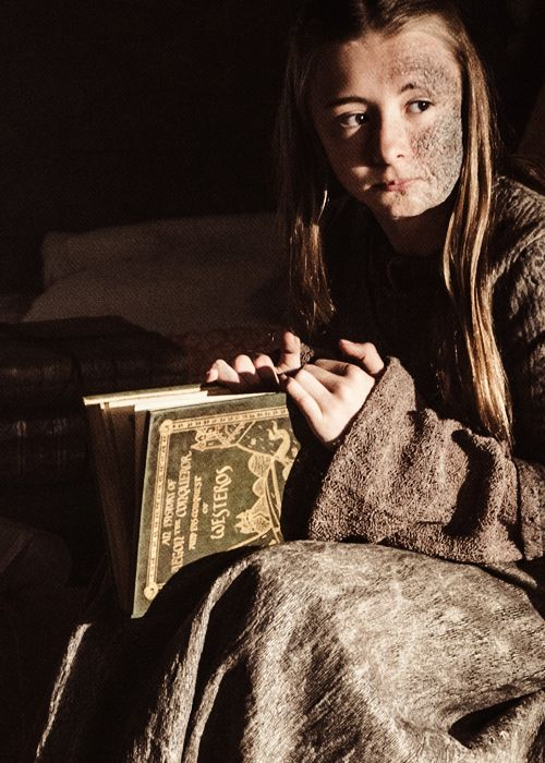 SHIREEN BARATHEON ~ SWEET LITTLE GIRL / DAUGHTER OF STANNIS / HIDDEN AWAY DUE TO HER GILL LIKE FACE