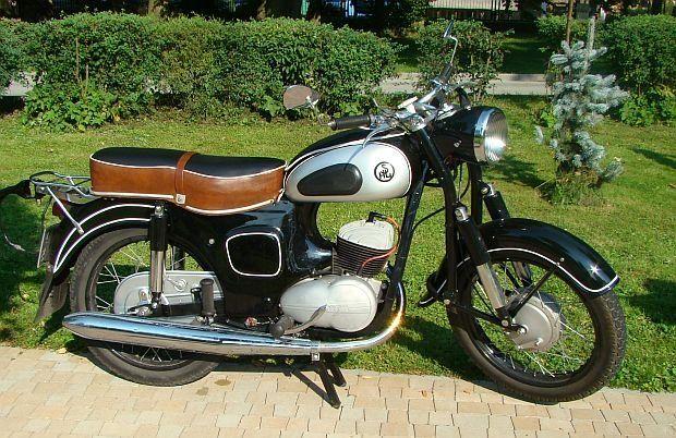 1965 SHL-M11 (poland) 175cc Single Cylinder Two-Stroke Engine