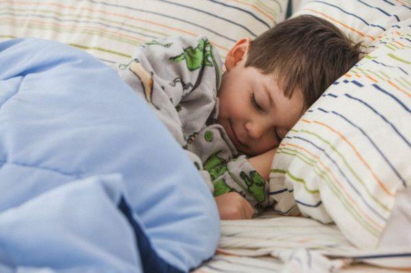 Oltre 1000 idee su bambino che dorme su pinterest - Pipi a letto a 8 anni cause ...