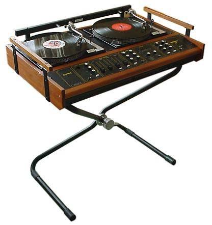 old school DJ set up. #dj #djculture #djgear #music #records #twoturntables #vinyl http://www.pinterest.com/TheHitman14/dj-culture-vinyl-fantasy/