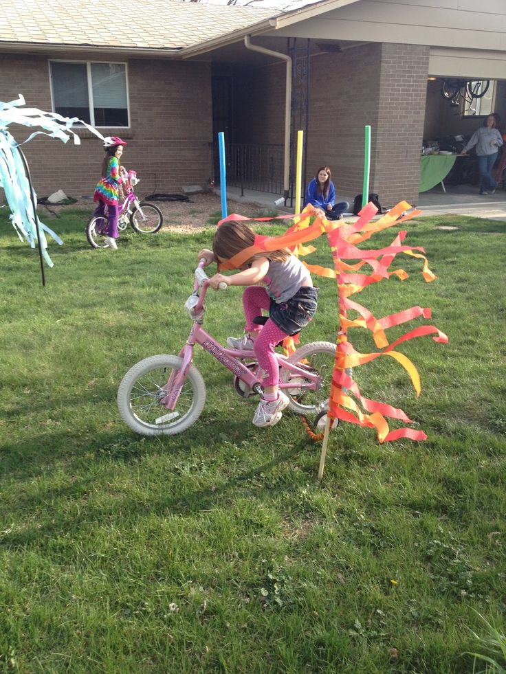 Between a dog and a hard place : Strider Bike Party