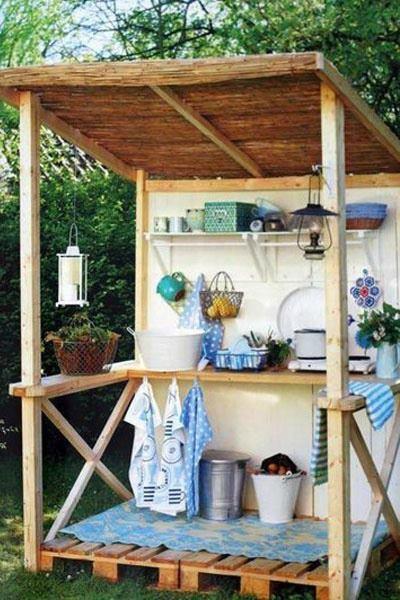 Mini cuisine d 39 t en bois de palette palette - Bricolage en bois de palette ...