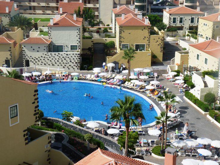 Piscina Hotel ISABEL.  Hotel ISABEL main pool.