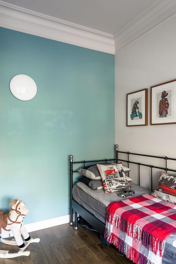 Квартира для молодой семьи скомиксом «Хранители» на стенах. Изображение № 12.