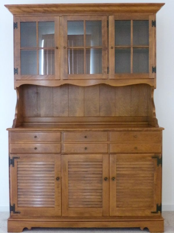 Ethan Allen Hutch Early American Solid Maple And Birch