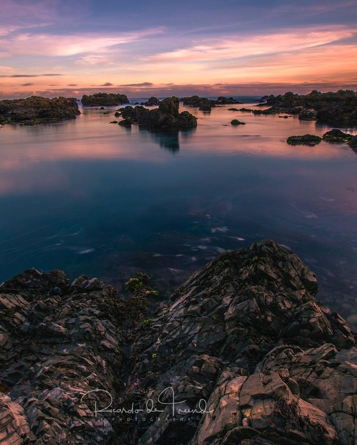 "77 Likes, 7 Comments - Ricardo de Treend (@ricardodetreend) on Instagram: ""More winter twilight goodness over Island Bay rock pools. ============================= 📷 Canon EOS…"""