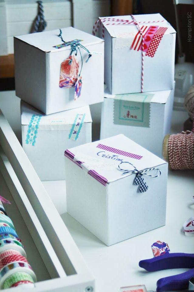 Caring and customize packaging gifts Cuidar y personalizar el empaquetado de los regalos