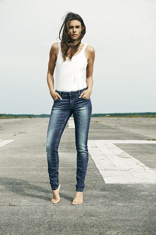Pulz Jeans midwaist skinny Jessica. Lekker stoer broekje door de wassing € 89,95 #pulzjeans #jeans #denim #blue #spijkerbroek #spijkerbroeken #mode #inspiratie #webshop #moderood