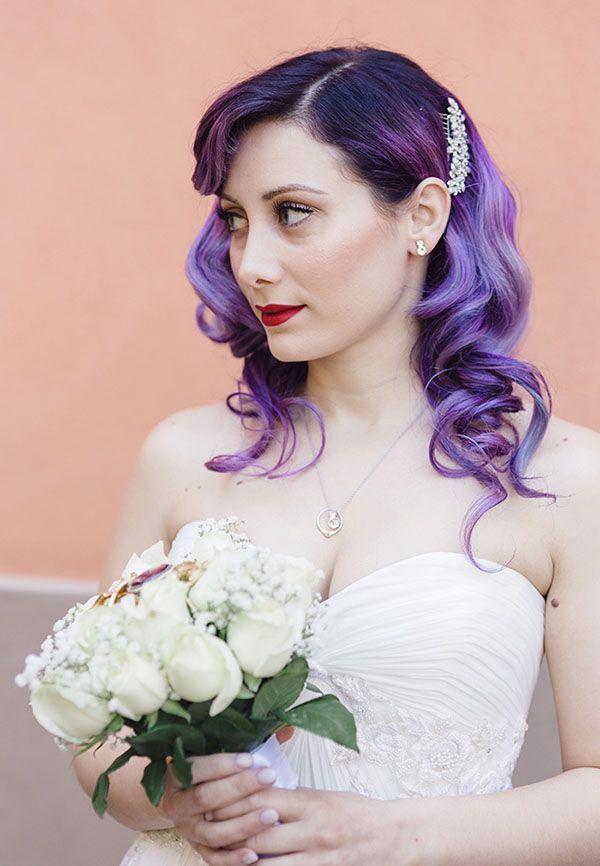 sposa con capelli viola