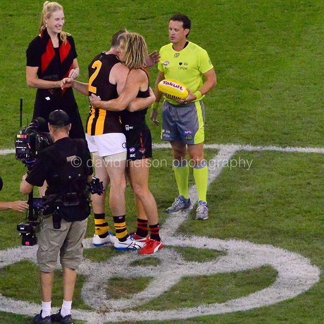 Two champion sportsmen from Leongatha embrace before the big clash between Bombers and Hawks at the MCG on Saturday night. @dysonheppell @jarryd_roughead @essendonfc #donthesash #winnersaregrinners