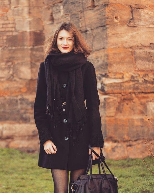 #portrait #model #photoshoot #girl #woman #day #daylight #beauty #czechmodel #czechgirl #beautiful #brunette #photography #outdoors #pose #posing #cute #cutness #building #lightroom #lipbalm #autumn #scarf #tower #stones