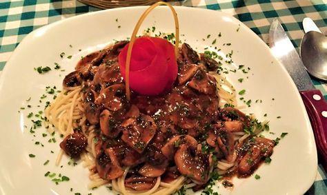 Ternera Marsala por Restaurante La Toscana
