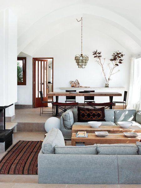 Casa Menorca: Comedor con mesa de madera /