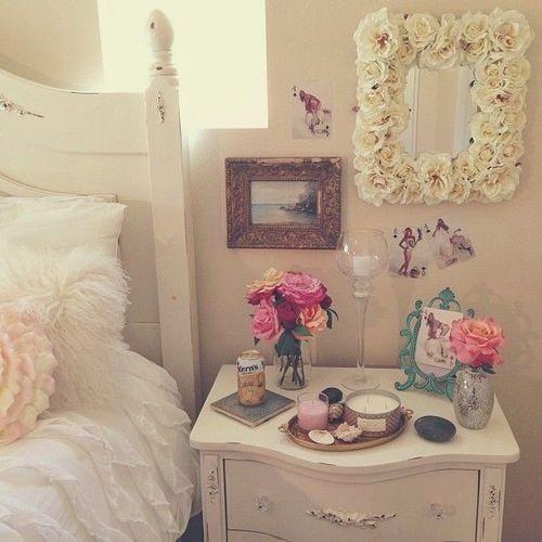 Girlie Bedroom //