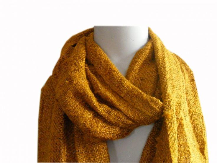 Fairtrade mosterdgele zijde sjaal, handgemaakt van fijne zijde. Voor €19,95!