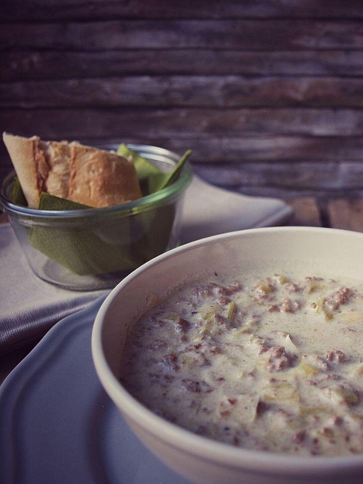Cremige Lauch Hackfleisch Suppe ohne Maggi oder Knorr, einfach und sättigend mit Porree (Lauch), Hackfleisch und Schmelzkäse