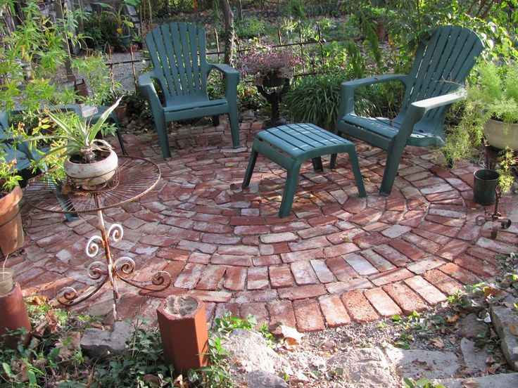 25 best ideas about brick patios on pinterest brick for Garden sit out designs