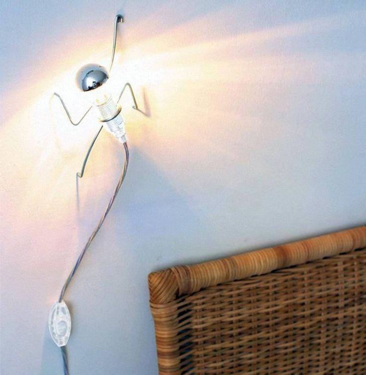 Lampada arrampicante by Black&Blum oggetti design Lampada arrampicante by Black&Blum oggetti design