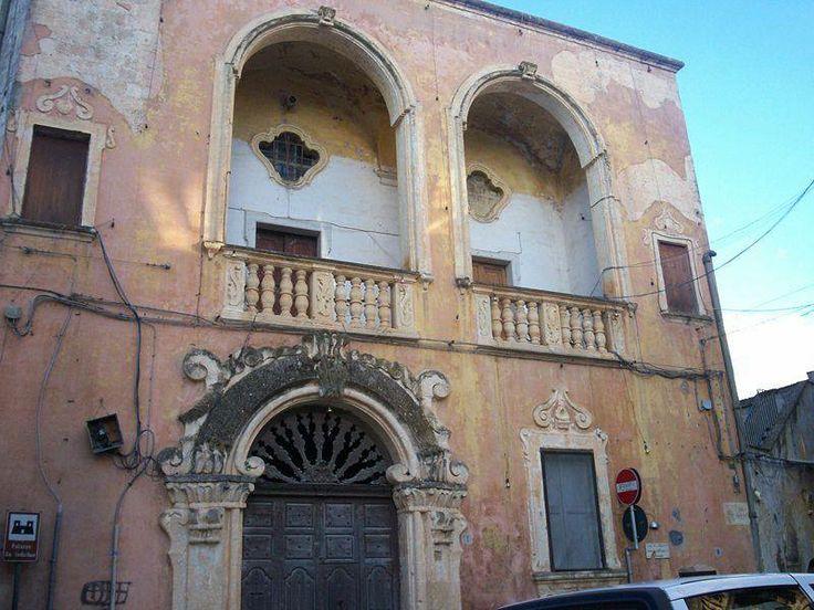 Palazzo De Iudicibus a Casarano (provincia di Lecce), attualmente di proprietà comunale, è situato in Piazza D'Elia. Fu edificato nel Seicento, ma subì nel corso dei secoli rilevanti rifacimenti e l'attuale aspetto è dovuto agli interventi del XVIII secolo.