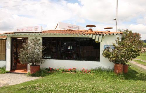 Facatativá - Parador | Pastelerías Bogotá | La Toledo Pastelería Horario de atención: Lunes a Sábado 9:30 am-6:30 pm  Domingos y Lunes Festivos 9:30 am-5:00 pm Dirección: Kilómetro 31 Vía Facatativá Teléfono: 312 5970293 Parqueadero: Si