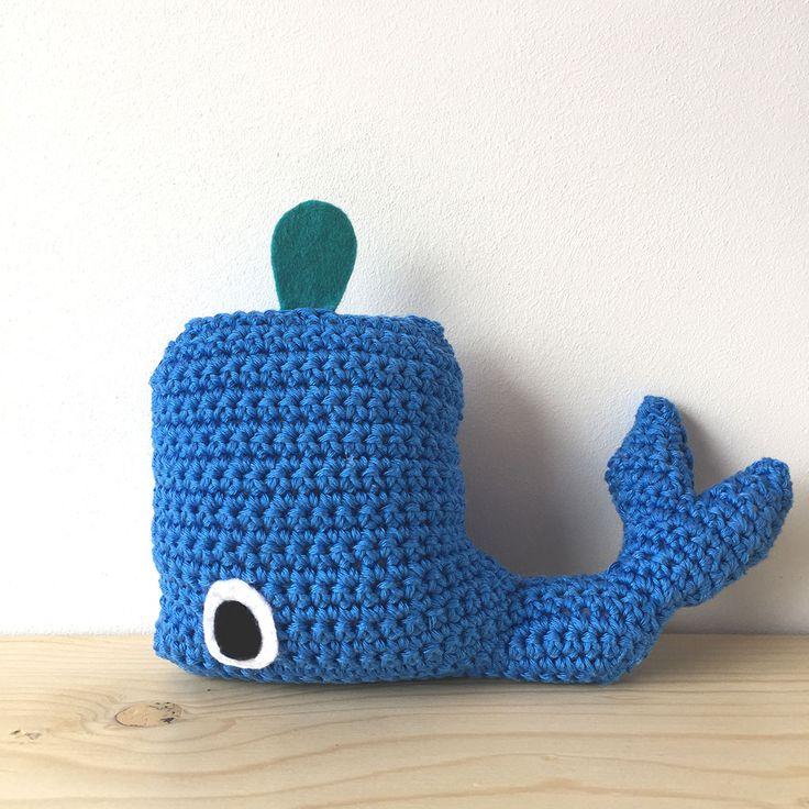 walvis haken (patroon van Claudia van K., link op mijn blog)– bij boef+mop