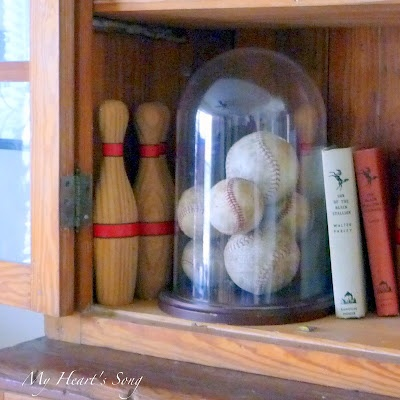 Baseball Collection Display Ideas. Would be cute with golf balls too!