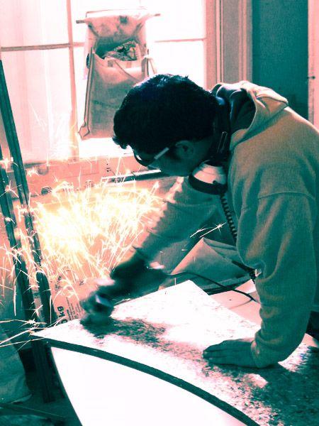 Elaboración de un moldaje para hormigón utilizando como material base planchas creadas a partir del reciclaje plástico y aluminio del tetrapack.  http://www.medioambienteradio.cl/tetrabuild