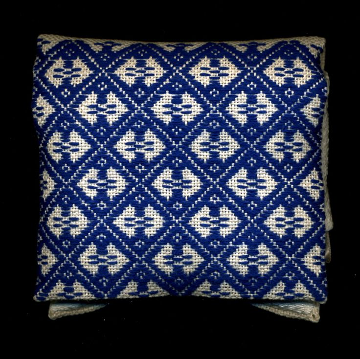 N e e d l e p r i n t: Kogin Work, Pattern Darning and that Thimble Case